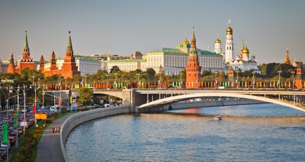 32507__the-kremlin-in-moscow_p