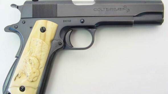pistolet-kolt-m-1911a1-ooaajio-02
